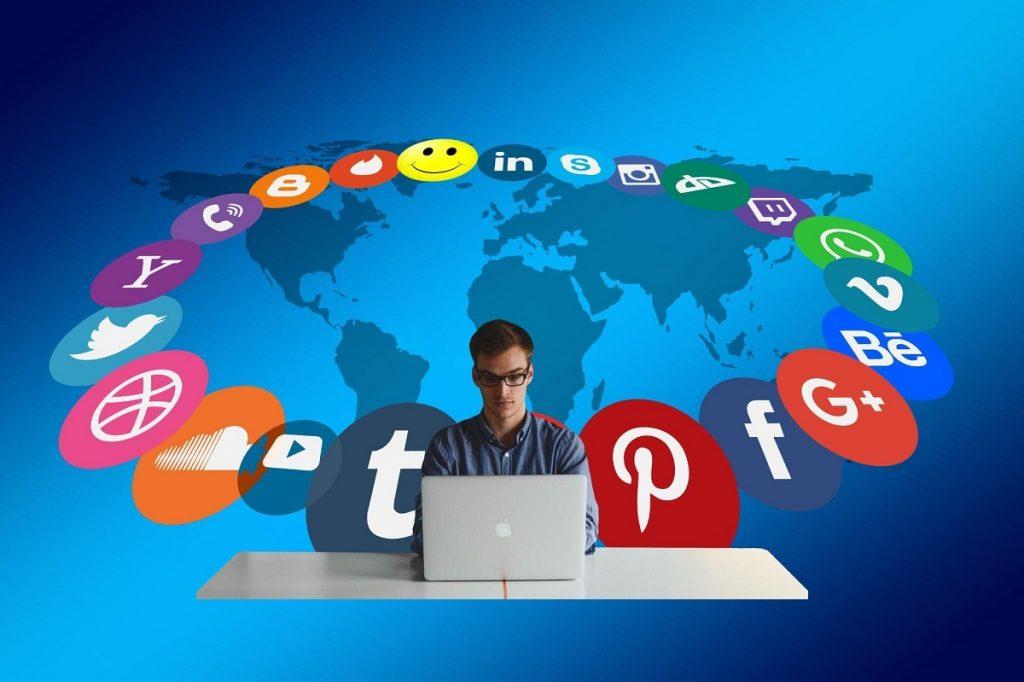 free social media aggregator